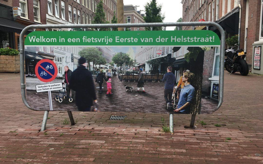 Onze fietscoaches in de fietsvrije Eerste van der Helststraat in Amsterdam